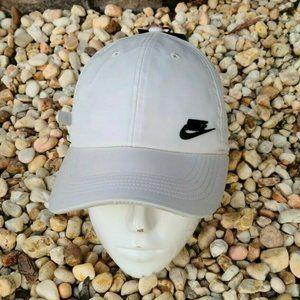 Nike Aerobill Heritage86 Strapback Adjustable Hat